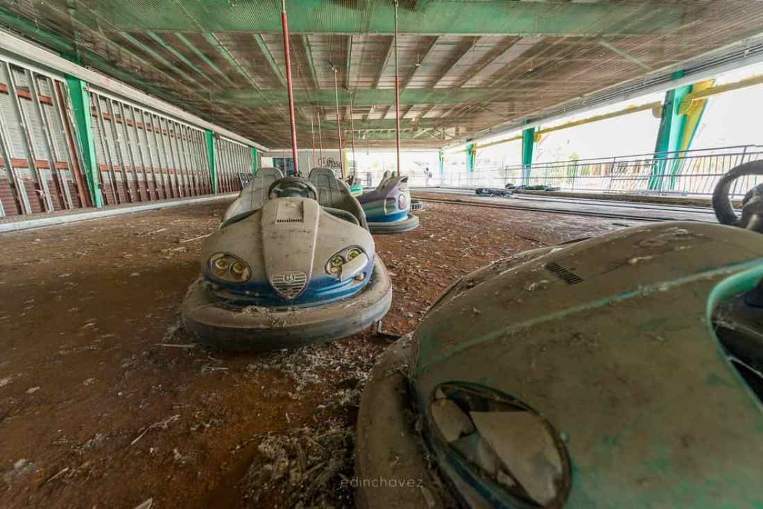 Abandoned Six Flags New Orleans-23