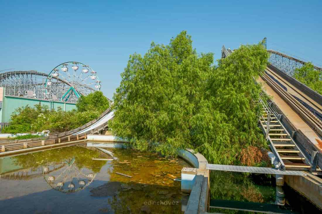Abandoned Six Flags New Orleans-97