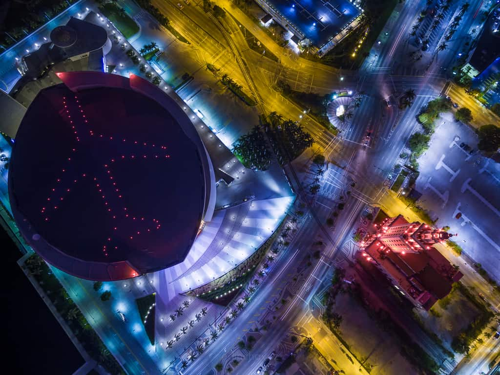 American Airlines Arena from the Air - image  on https://blog.edinchavez.com