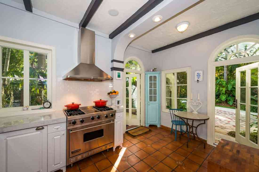 Tips and tricks to improve your real estate photgraphy