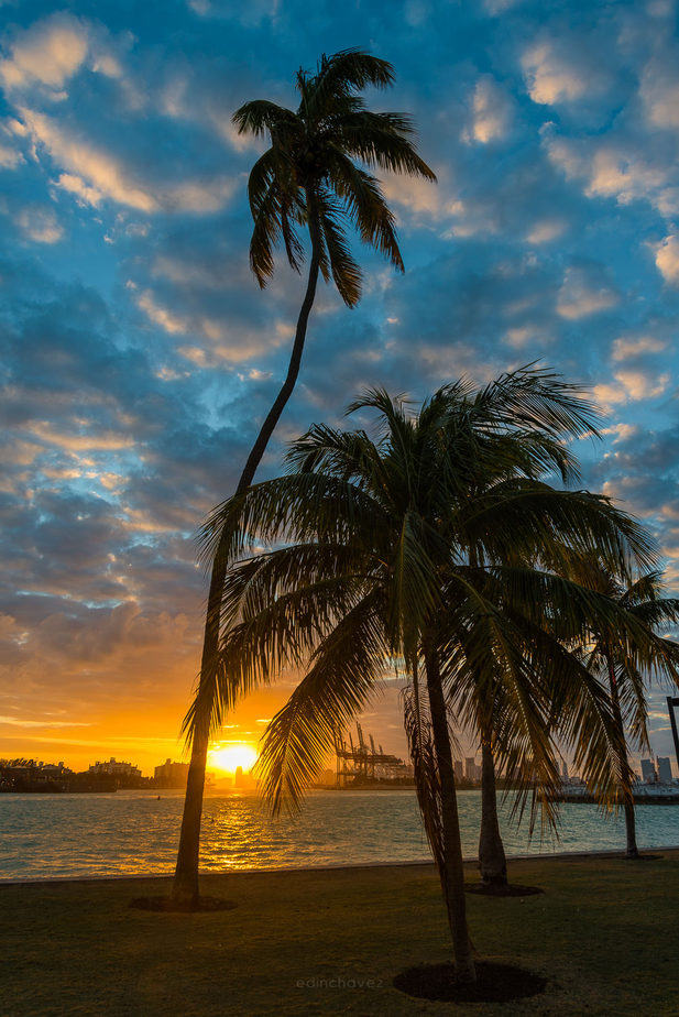 Sunset at South Pointe Park best photography spots Miami