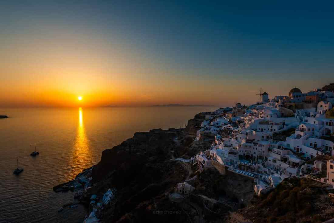 Best Places to Photograph In La Oia Santorini