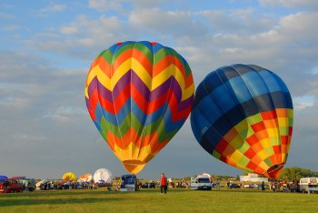 hot-air-ballooning-1818015_1920