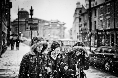 Chinatown snow storm - 2010-11-29_27327_people.jpg