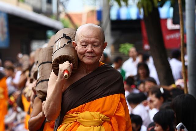 buddhists-458909_640