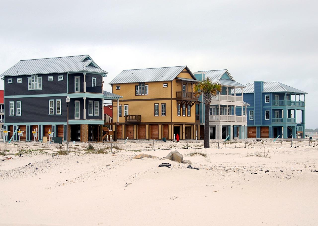 beach-homes-1646621_1280