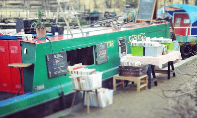 Record-Boat1-664x400