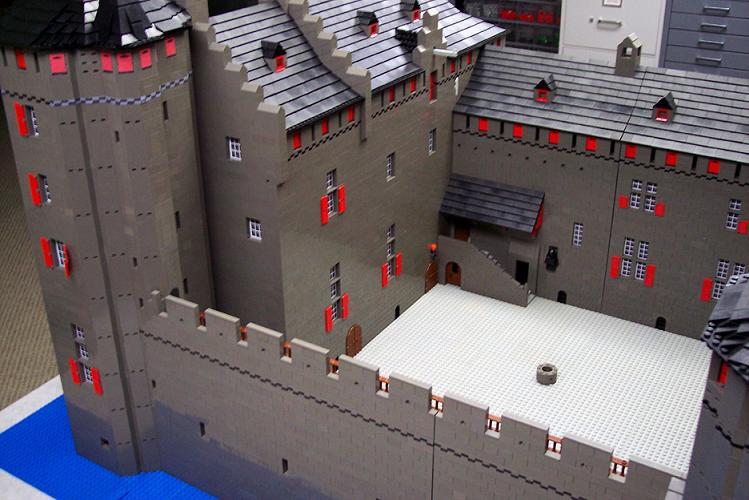Castillos LEGO: muiderslot_2008_courtnorth