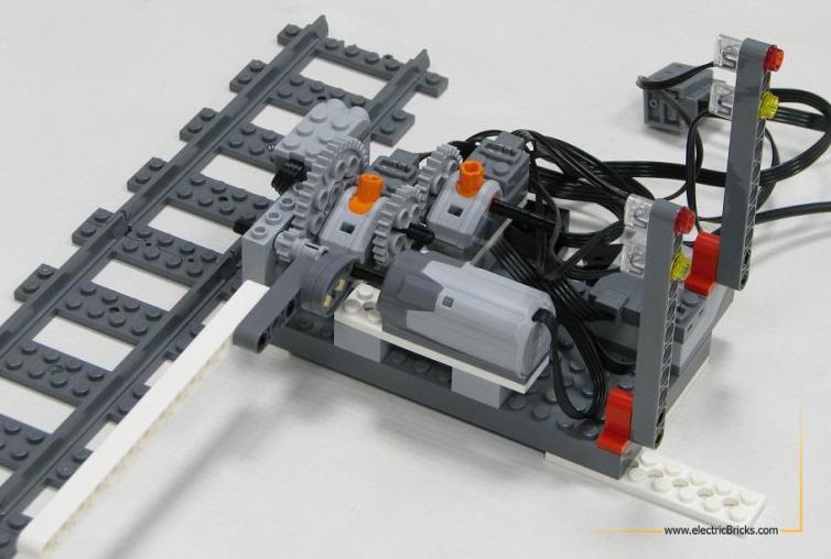 Paso nivel con Power Functions WeDo y Scratch: mecánica del paso a nivel