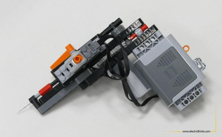 Máquina de tatuaje LEGO, por electricBricks