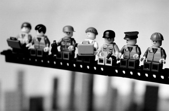 Fotos famosas en LEGO: en lo alto de un rascacielos