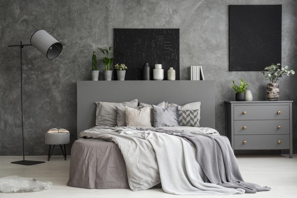 amenajarea unui dormitor gri