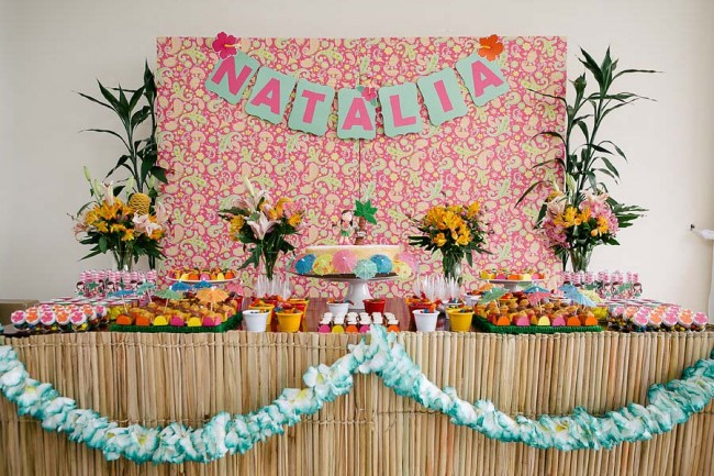 Festa 30 anos com tema havaí