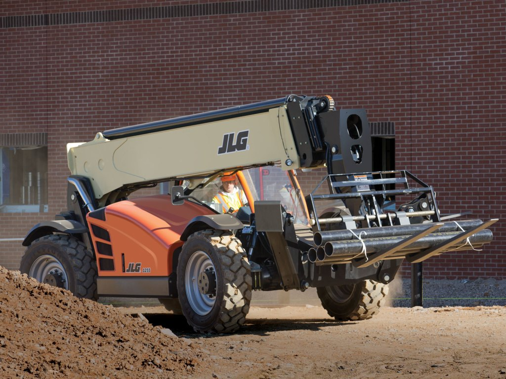 Product Spotlight: The JLG 1255 Telehandler
