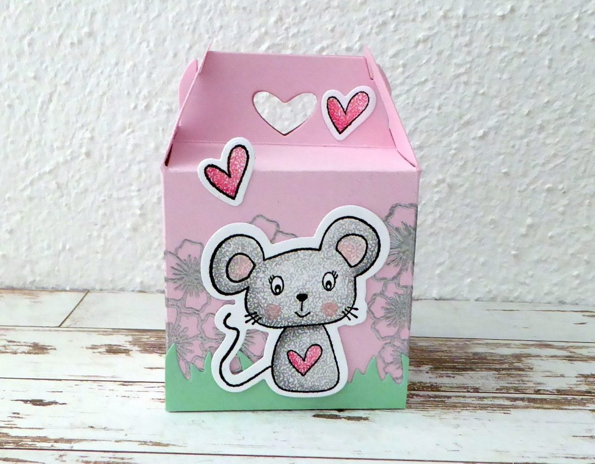 15 Valentine's Day Projects You Can Make Today!