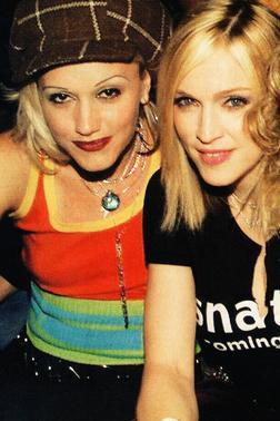 3. Gwen Stefani es prima lejana de Madonna (su tío-abuelo por parte de la madre tiene a su vez una madre con el apellido Ciccone y es de Detroit, como Maddona)