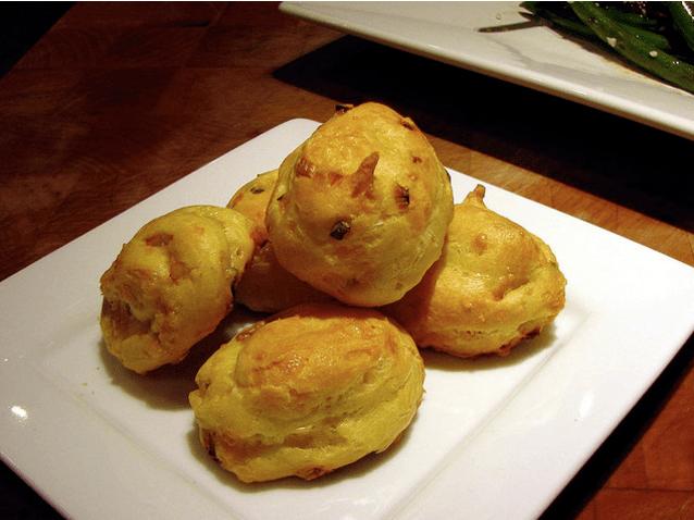 7.- Bolitas de queso cheddar