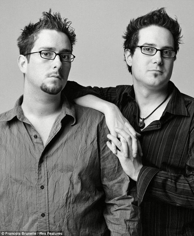 La idea de el proyecto es llegar a fotografiar 200 de estos gemelos, para luego exponer las fotografías en un libro