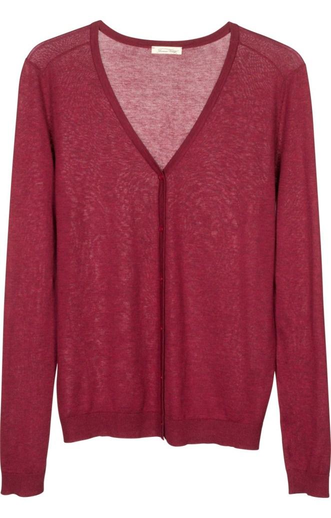 4. Cardigans: para usar abiertos como camperas, o prendidos como sweaters, son versátiles y muy útiles.
