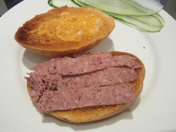 7. Sandwich de paté y cebolla