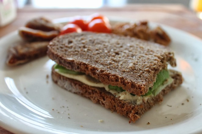 11. Sandwich de ricota e higos secos