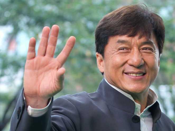 2. Jackie Chan. Antes de triunfar en el cine de acción, el maestro de las artes marciales y la comedia, participó de la película erótica