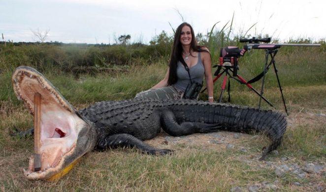Y un caimán enorme.