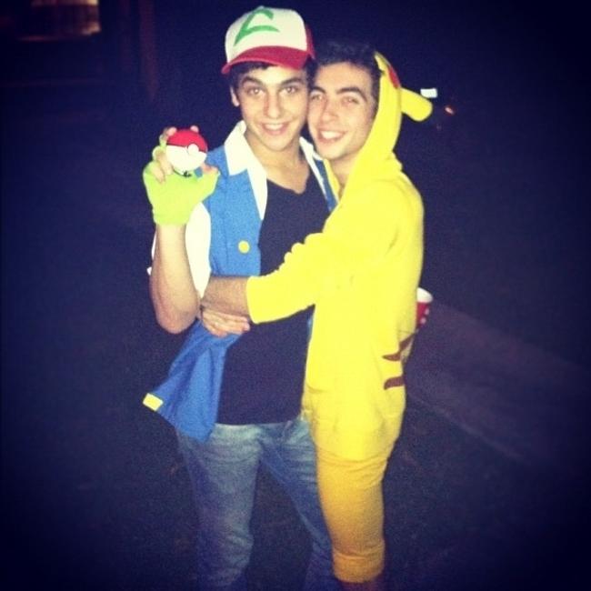 16. Ash y Pikachu