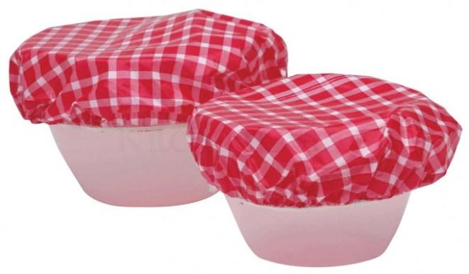 10. Dejar reposar la masa: cubrí los recipientes con una gorra de ducha mientras leva la masa.