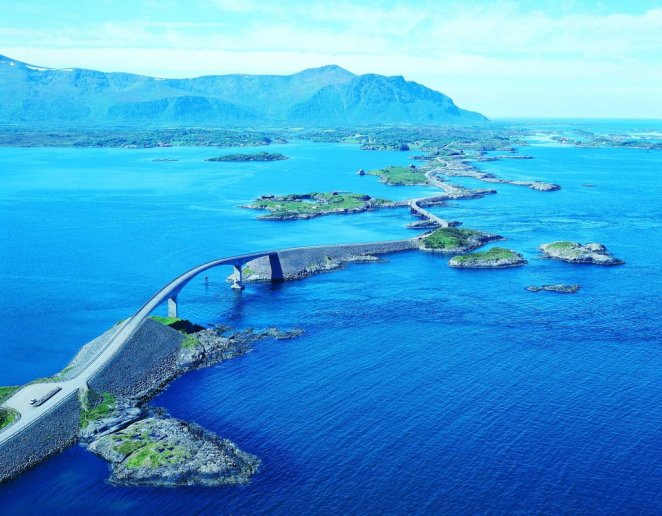 4. Atlantic Ocean Road, Noruega