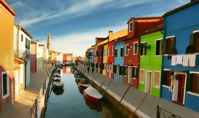7. Burano, cerca de Venecia, Italia