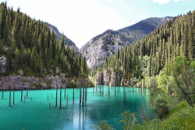 16. Lago Kaindy, Kazakhstan