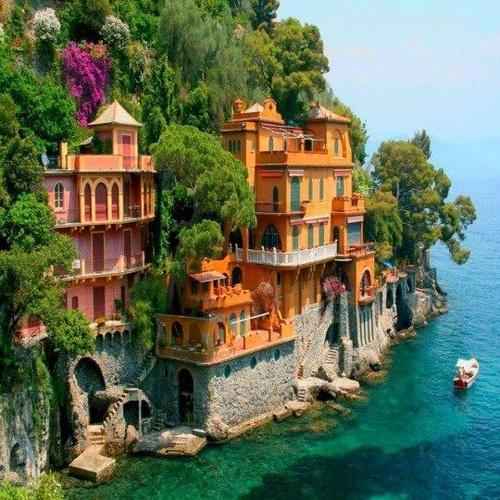24. Portofino, Italia