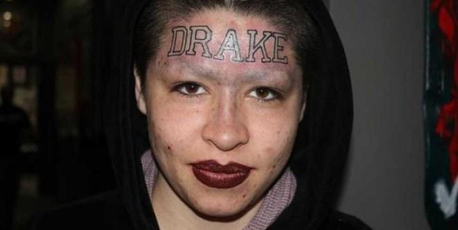 5. Viendo este tatuaje surgen varias dudas existenciales: ¿Ella se llama Drake? ¿Quería recordar a Drake? Y quizá la más importante: ¿Quién es Drake?