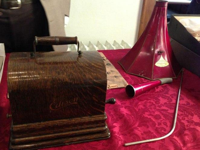 4. Un Gramófono de Edison