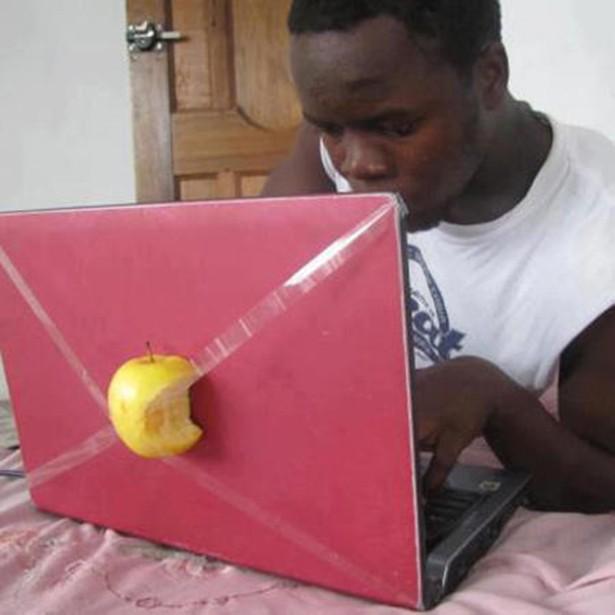 13. Apple en 3D