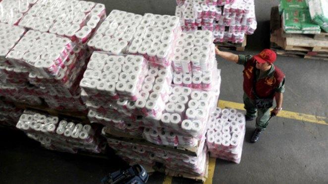 7. La producción mundial de papel higiénico es de 83,048,116 rollos por dia