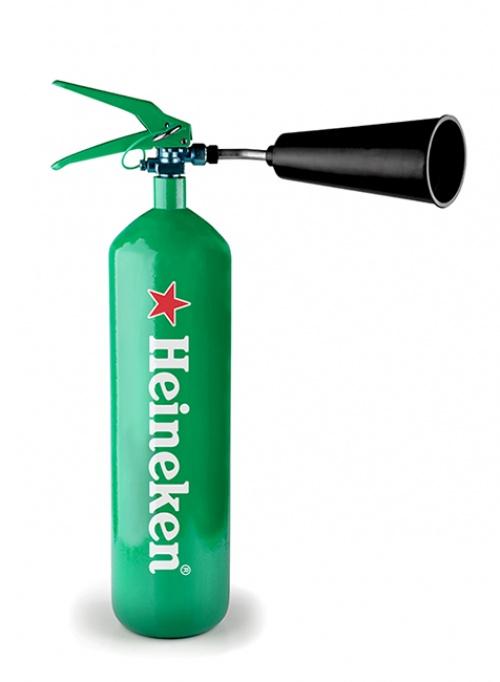 3. Extintor de Heineken, ahora con más espuma