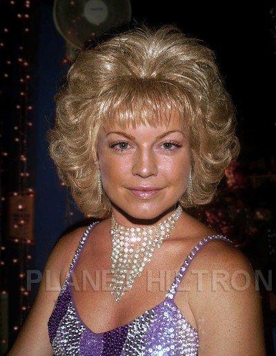 Fergie, coordinadora en un evento para vendedoras de Avon.