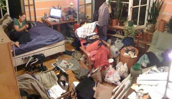 16. ¿Eso es un cuarto o la escena de un crímen?
