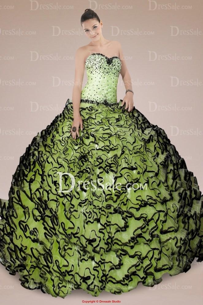 6. No me parece que tengas que ir por toda la fiesta vestida de lechuga francesa.