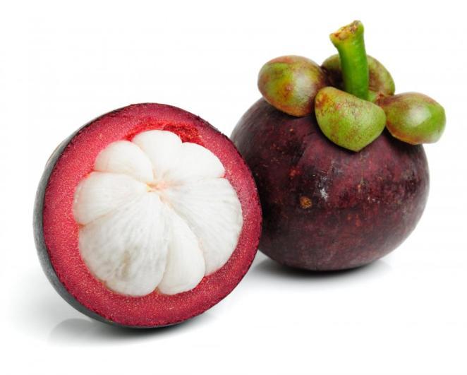 4. Garcinia mangostana (conocida como mangostino, mangostán o jobo de la India)