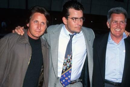 15. La estrella de El Club de los Cinco, Emilio Estevez es el hermano mayor de Charlie Sheen (Two and a half men) que se cambió su nombre para seguir los pasos de su padre, Martin Sheen (Apocalypse Now)