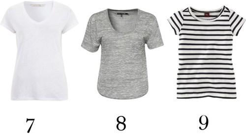 Una remera blanca, otra gris, otra a rayas.