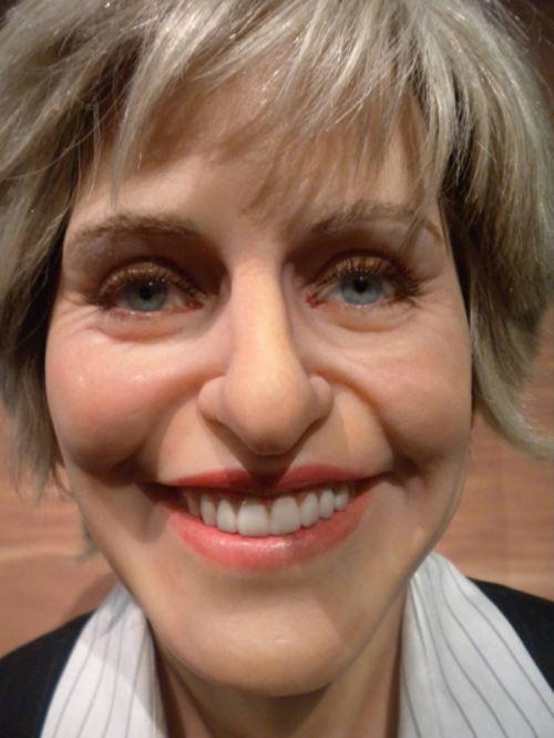 3. Ellen DeGeneres parece algo que no querrías ver antes de dormir.
