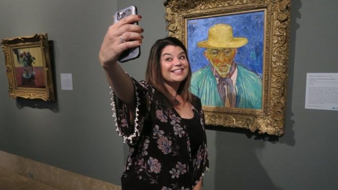 Resultado de imagen para The Van Gogh Museum selfie