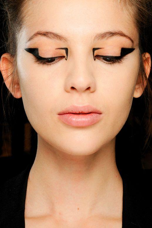 Resultado de imagen para eyeliner geometric forms