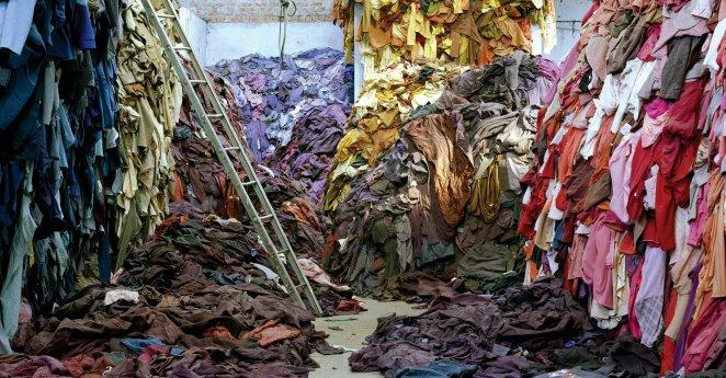 Resultado de imagen para clothes landfill