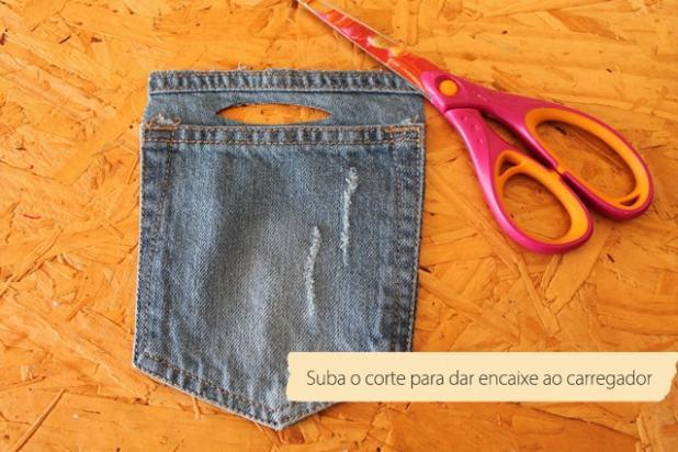 porta-carregador de celular feito com jeans3