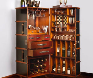 Robbe & Martele Trunk Bar Set
